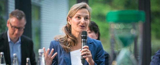 Patricia Peill im TZ Jülich auf der Podiumsdiskussion der Jülicher Zeitung / nachrichten
