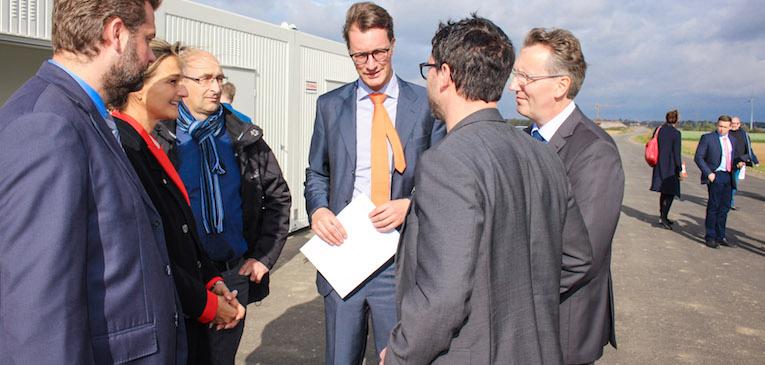 Minister Henrik Wüst beim Vorort-Termin. Foto: PPP