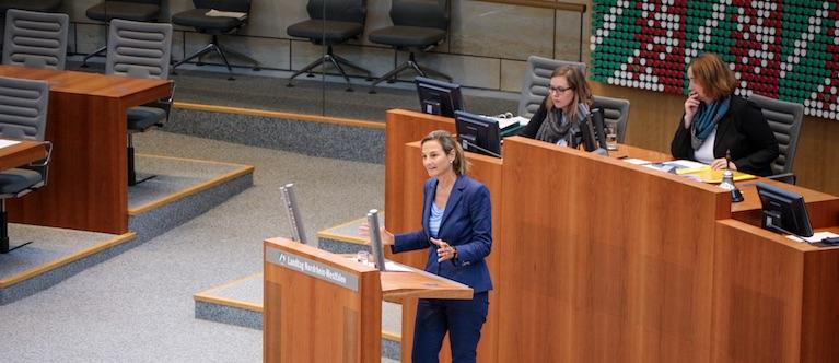 """""""Politische Veränderung erreicht man nur durch Kommunikation und Diskussion"""", ist CDU-Landtagsabgeordnete Patricia Peill überzeugt und setzt sich darum als starke Stimme für die Region Düren ein. Foto: PPP"""