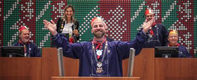 Lazarus-Präsident David Ningelen übernahm das Rednerpult im Düsseldorfer Landtag von der Landtagsabgeordneten Patricia Peill. Foto: PPP
