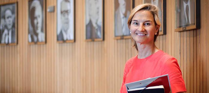 Dr. Patricia Peill im Fraktionszimmer der CDU im Düsseldorfer Landtag